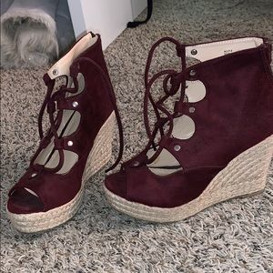 Wedges for spring 💐 summer ☀️ and fall 🍁